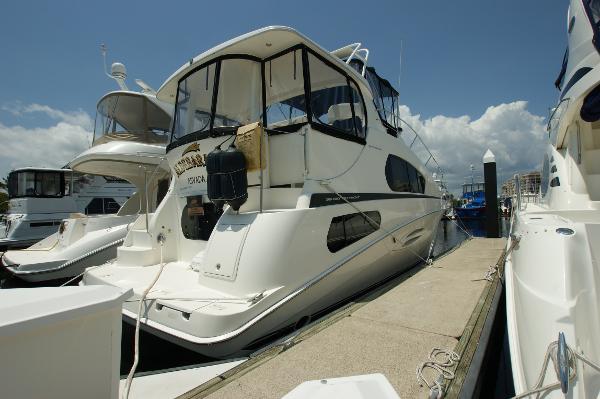 Silverton 39 Motor Yacht Profile