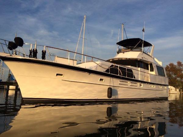 Hatteras 58 Tri-Cabin Motoryacht