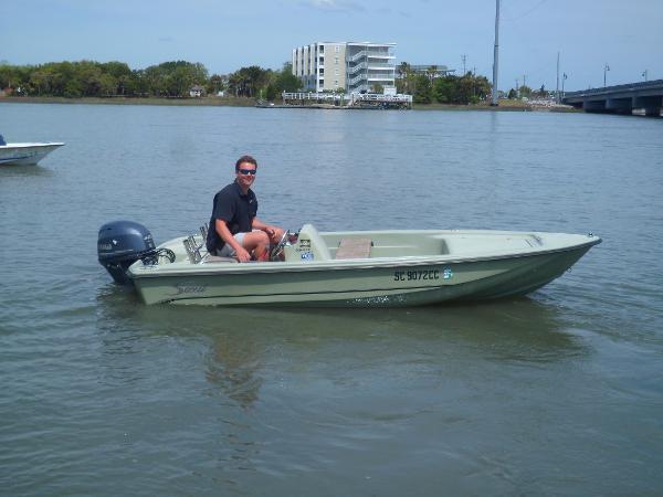 Scout 151 Sportfish STARBOARD UNDERWAY