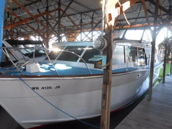 Fairline  Tricabin Motoryacht