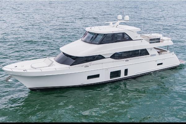 Ocean Alexander 88 Motoryacht Skylounge
