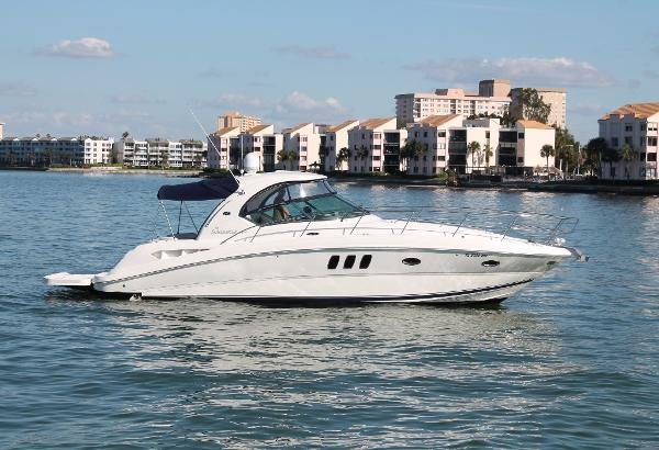 Sea Ray 38 Sundancer STB View