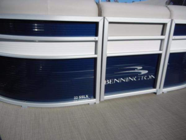 Bennington 22SSLX
