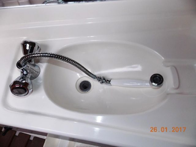 Pull out type shower head