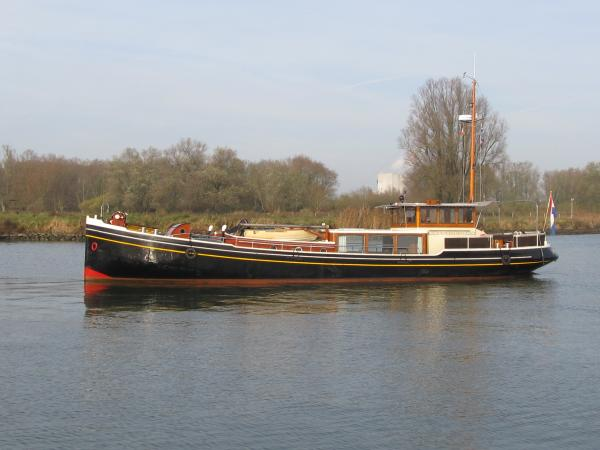 Dutch canal yacht Luxe Motor 64