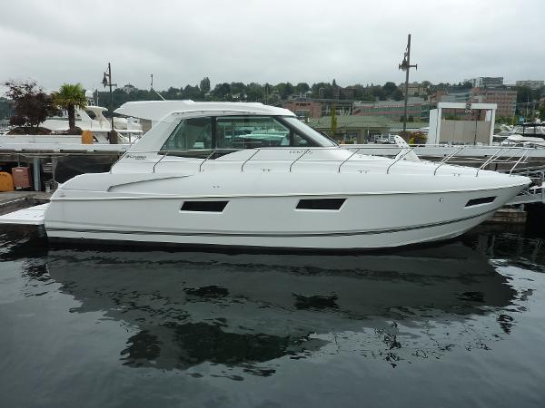 Cruisers 48 Cantius Profile