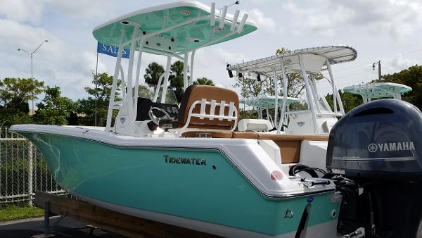 Tidewater Boats 220 CC Adventure