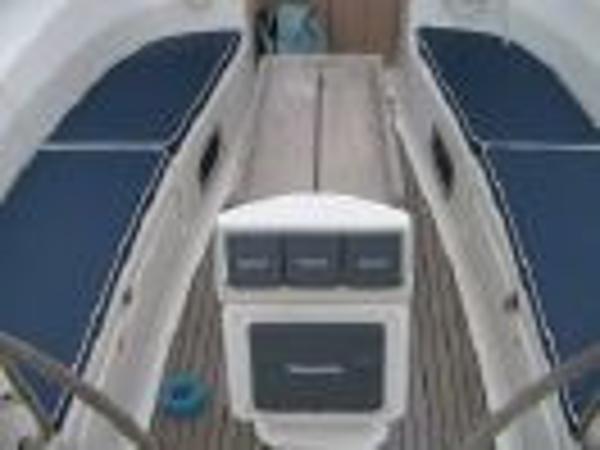 Bavaria 40 - Cockpit