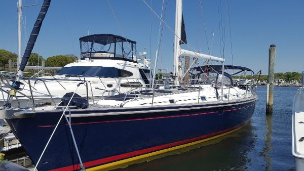 Beneteau 50 Port side