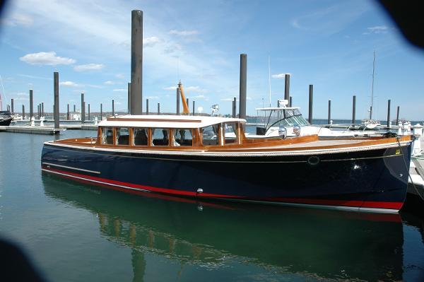 Lattitude Andreyale 33 Starboard Profile