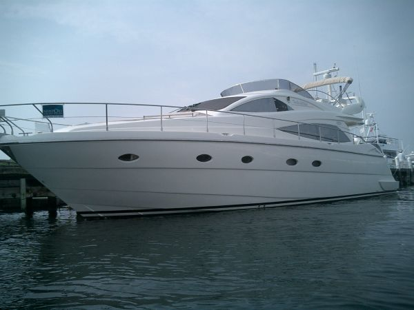 Aicon Yachts 56 Flybridge Photo 1