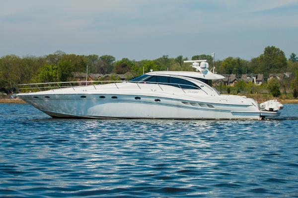 Sea Ray 680 Sun Sport Port Side