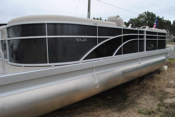 Bennington 23 SSRX Pontoon Boat 2018-bennington-23-ssrx-pontoon-boat-for-sale