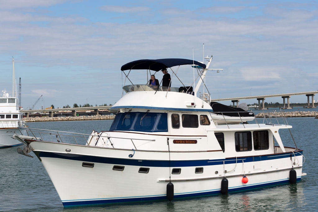 DeFever Raised Pilothouse