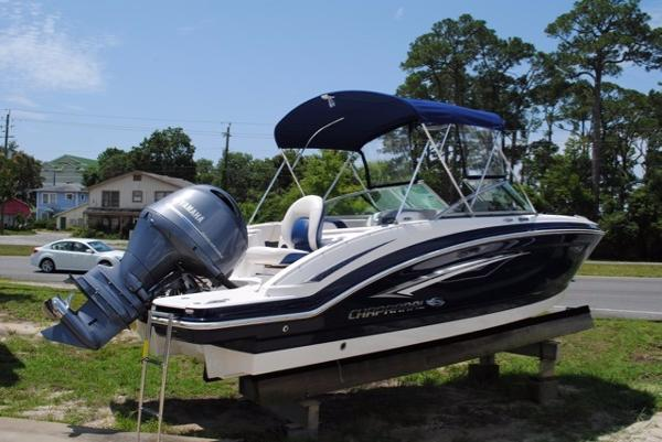 Chaparral 210 Suncoast Ski & Fish 2016-CHAPARRAL-210-SUNCOAST-SKI-FISH-OUTBOARD