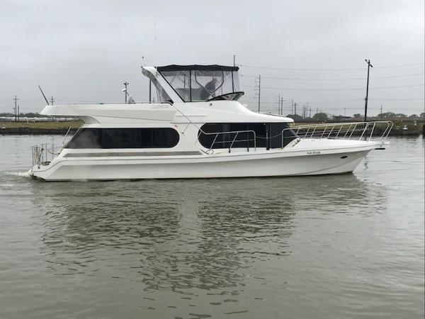 Bluewater 48 Coastal Cruiser