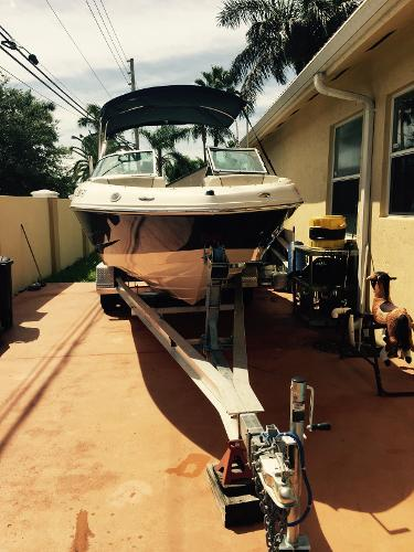 Sea Ray 210 Bow Rider Sea Ray 210 Bow Rider