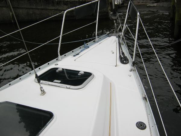 Beneteau Oceanis 281 - Fore deck