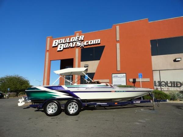 Ultra Boats 21 XT Jet Boat