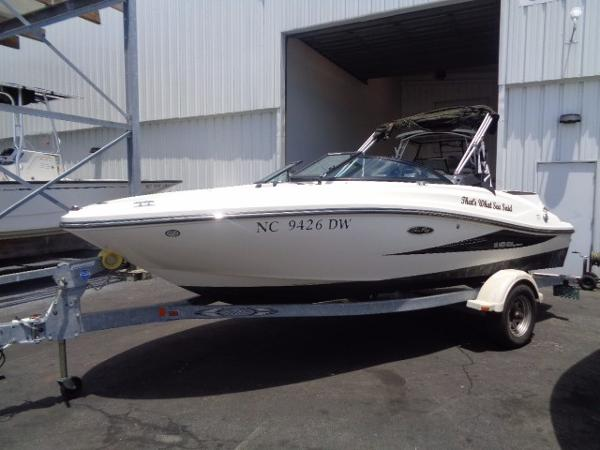 Sea Ray 190 Sport Port side view on trailer