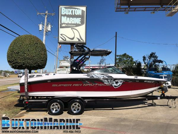 Correct Craft Super Air Nautique 230 Team Edition