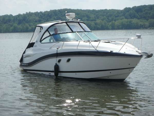 Rinker Express Cruiser 310