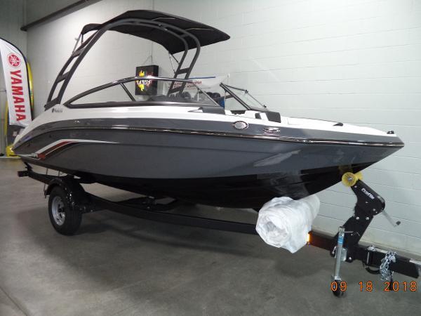 Yamaha Boats AR-195