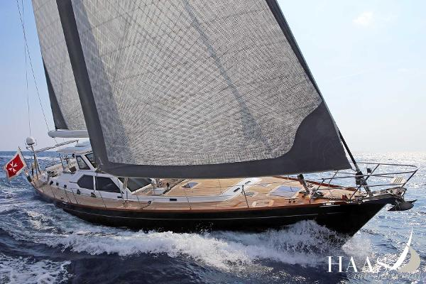 Solaris 72DH Sailing
