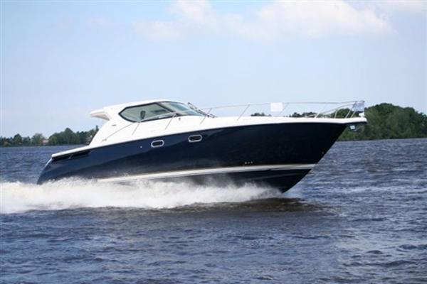 Tiara Yachts 4300 Sovran 500322_5e