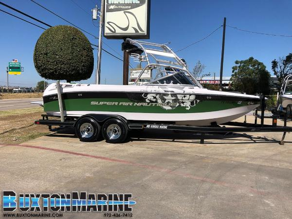 Correct Craft Super Air Nautique 220 Team Edition