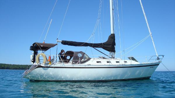 Canadian Sailcraft 36 at anchor