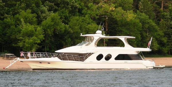 Bluewater Yachts 5800 Port Side @ Beach