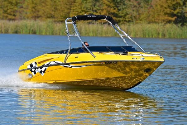 Crownline 21 SS LPX Wake