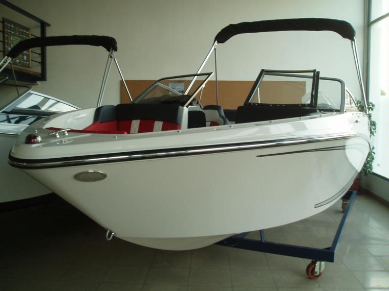 Glastron Boats Glastron GTS 205