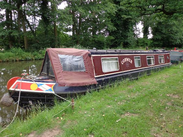 Narrow Boat Colesmorton Marine with Traditional Stern