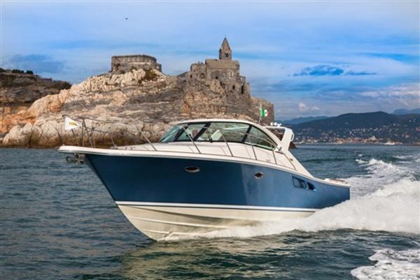Tiara Yachts 3600 Coronet IMG_4536
