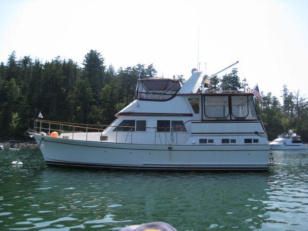 La Belle Marine Trader 43' Sundeck Trawler