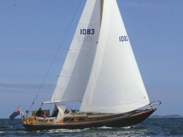 Morgan Giles 35' Sloop Under sail
