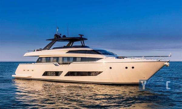 Ferretti Yachts 850 1