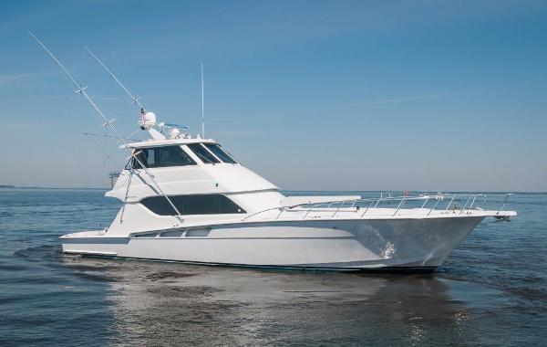 Hatteras 60' ENCLOSED BRIDGE Profile