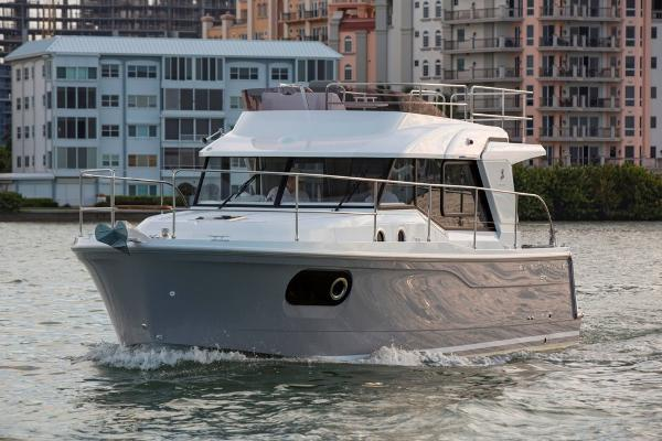 Beneteau Swift Trawler 30 Manufacturer photo