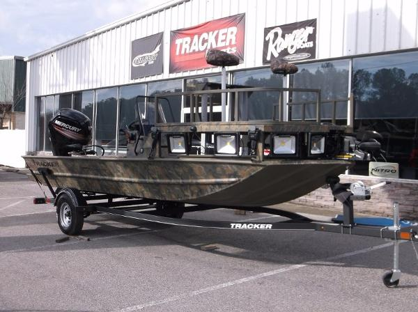 Tracker Grizzly 1860 MVX CC Sportsman