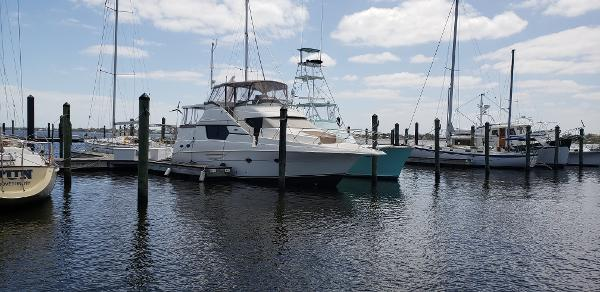 Silverton 453 Motor Yacht Starboard