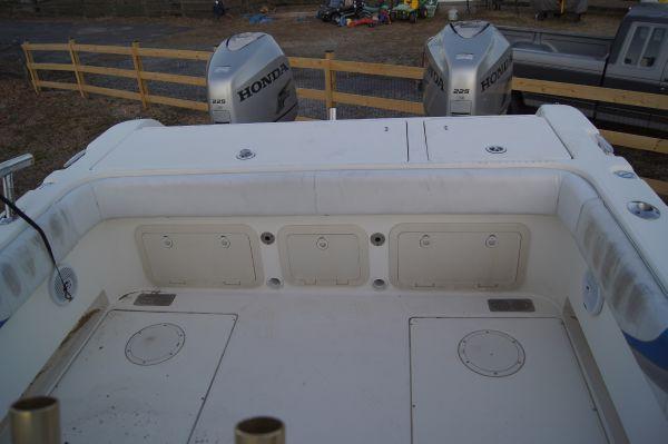 World Cat 27SC Cockpit