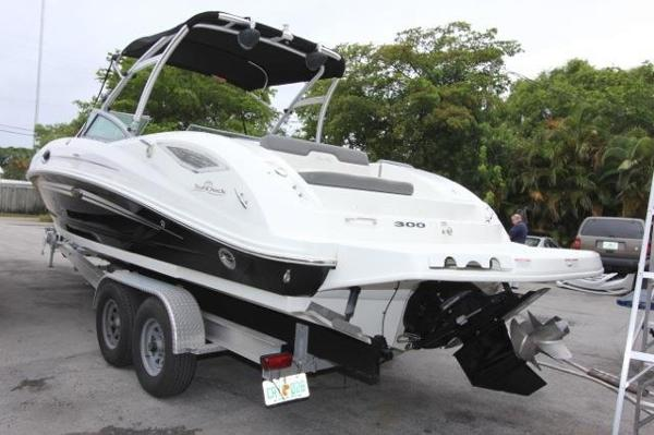 Sea Ray Sundeck 300