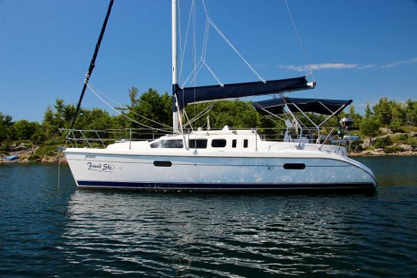 Hunter 310 at anchor