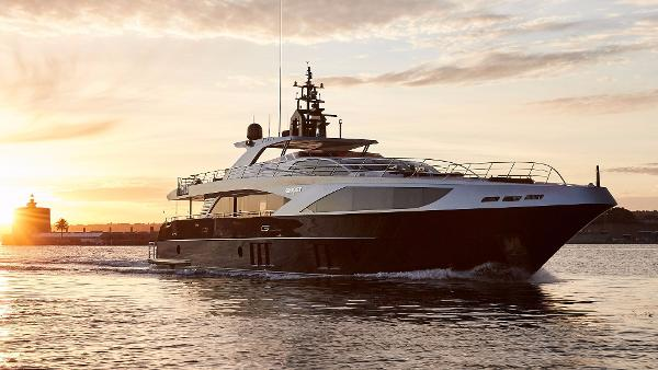 Majesty Yachts Majesty 122 Manufacturer Provided Image