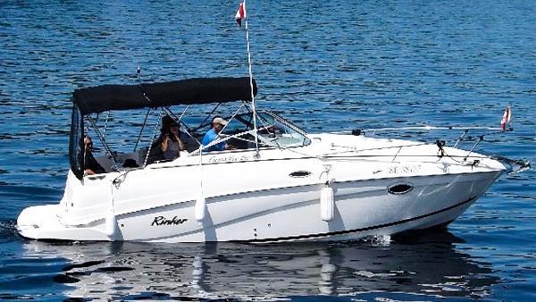 Rinker 250 Fiesta Vee On the Water