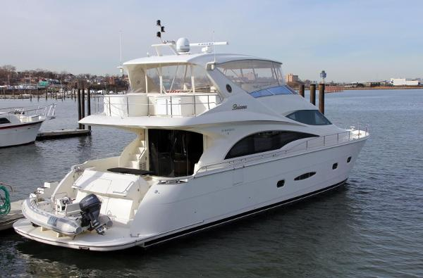 Marquis 65 Motor Yacht Skylounge