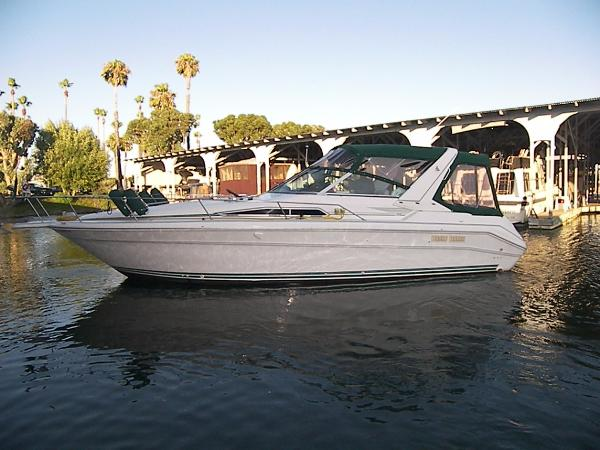 Sea Ray 310 Express Cruiser Main photo